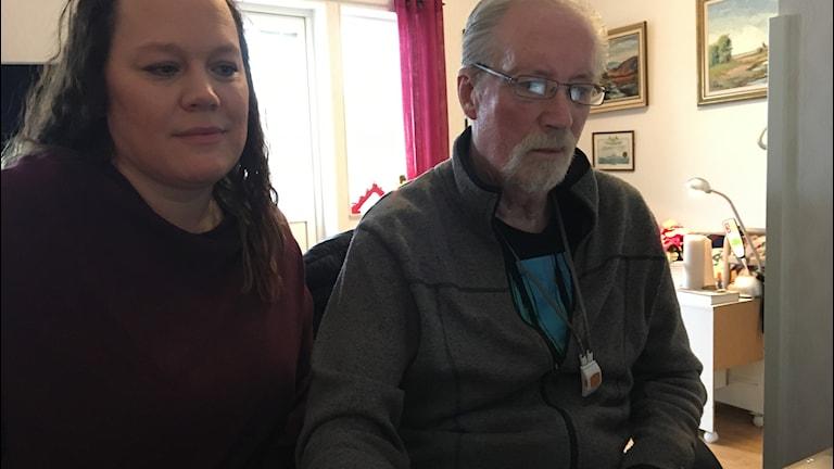 Veronica Nilsson och Rolf Ljunquist på Hammarbygården i Jämjö.