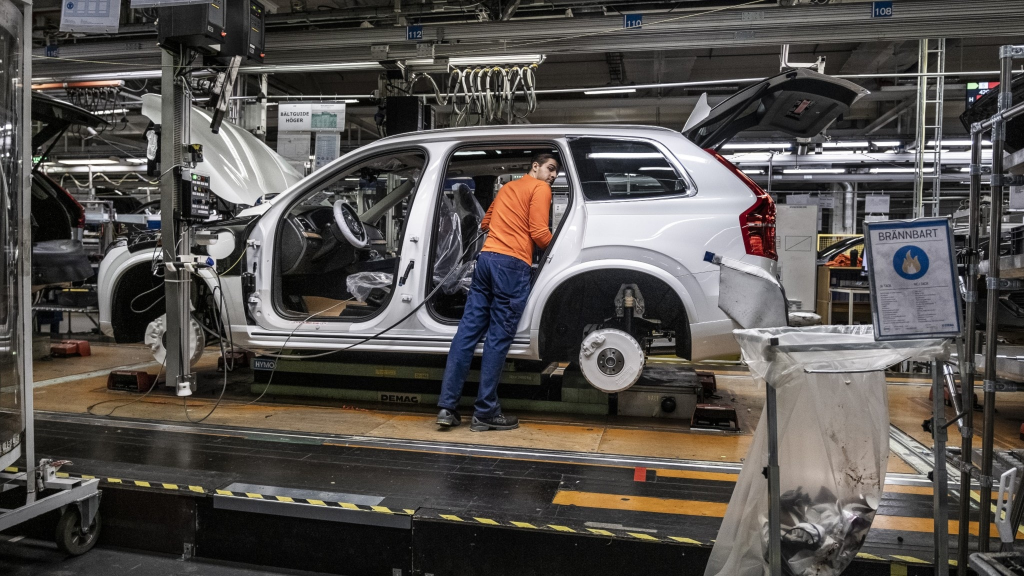 Volvo Cars stoppar produktionen i Sverige - 25 000 anställda berörs