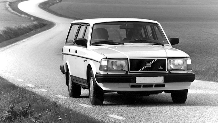 Volvo 245 på landsväg