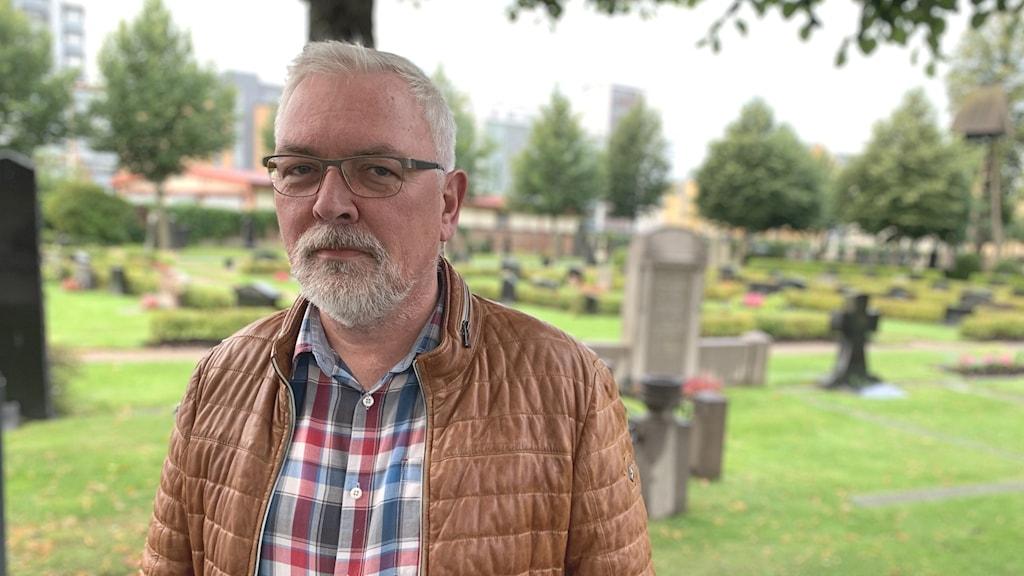 Tegnerkyrkogården Mats Lindblad, kyrkogårds- och fastighetschef vid Växjö stift,
