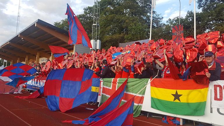 Fotbollssupportrar från Öster IF.