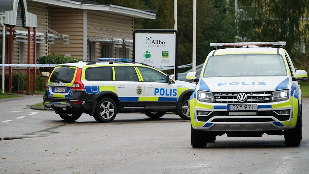 Poliser på plats