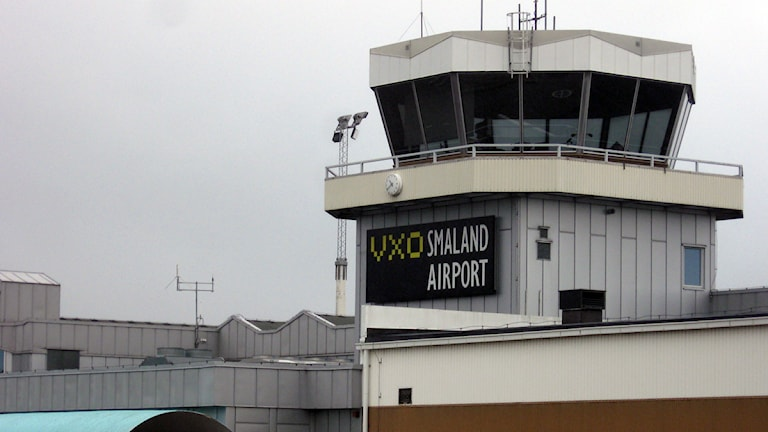 Flygledartornet på Växjö flygplats. Foto: Martina Svensson/Sveriges Radio.
