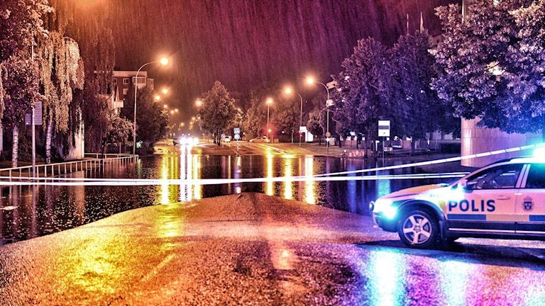 Liedbergsgatan i Växjö svämmade över vid nattens kraftiga regn.