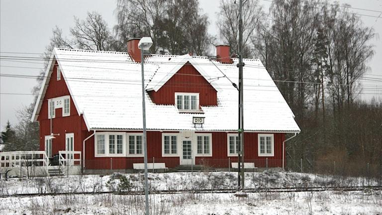 Gamla stationshuset i Diö. Foto Malin UlfhagerSveriges Radio.jpg