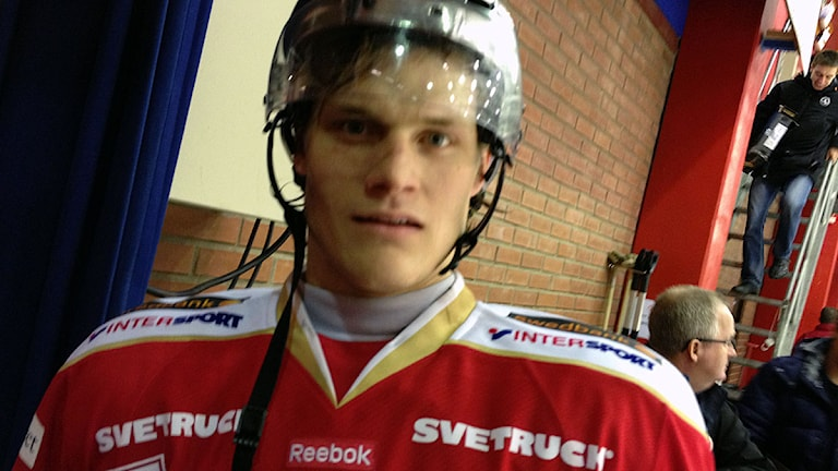 Daniel Karlsson blev tvåmålsskytt för Troja mot Almtuna. Foto: Per Brolléus/Sveriges Radio