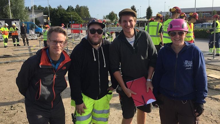 Per Faeltenborg, projektledare och byggarna Joakim Nielsen, Simon Larsson och Anna Alm.