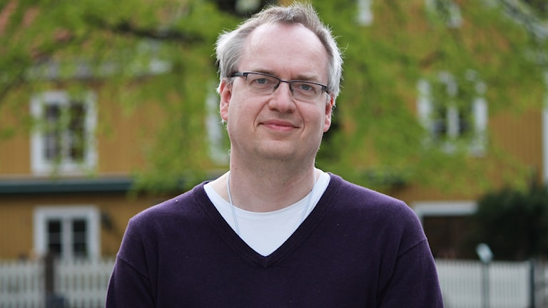 Erik Wångmar, statsvetare vid Linnéuniversitetet, besökte Eftermiddag i P4 för att diskutera partiernas medlemsras och Miljöpartiets fortsatta ökning.