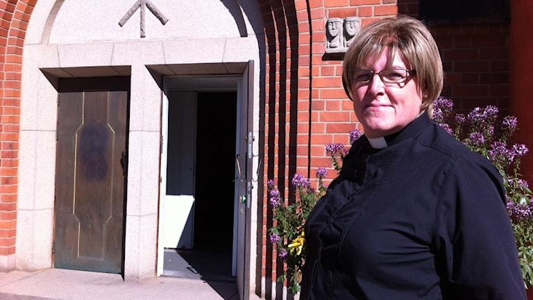 Annika Stacke, församlingspräst i Lammhult. Foto: Lena Gustavsson/ Sveriges Radio