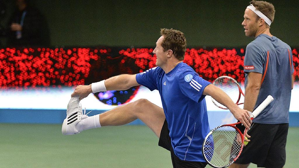 Jonas Björkman tar ett särskilt steg, något han kan ha nytta av i danstävlingen! Foto: TT