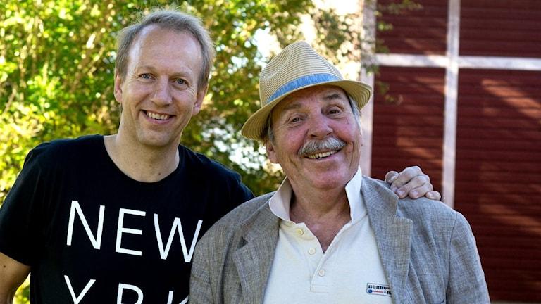Nils Åkesson tillsammans med den avlidne Janne Loffe Carlsson