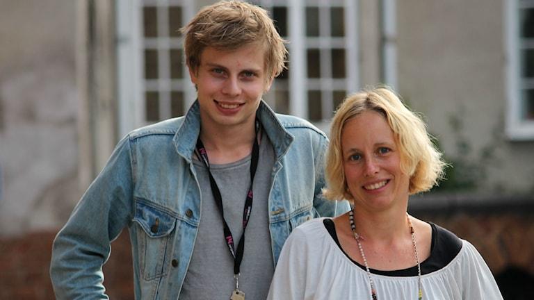 Jonatan Bergman och Anna Tigerström. Foto: Emma Kvennberg/Sveriges Radio