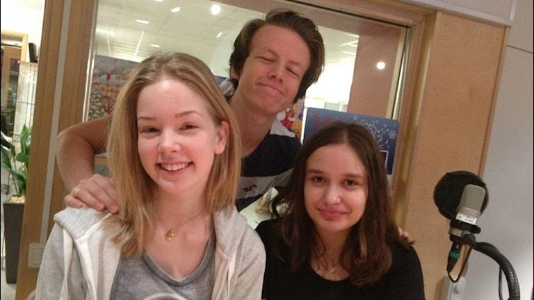 Juniorpanelen med Ellen, Alexander och Ella tycker till om smått och stort. Foto: Anne Marchal/ Sveriges Radio