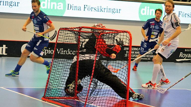 Filip Kjellsson i Växjö IBK (Vipers) gör 2-2 mot Granlo i Fortnox arena
