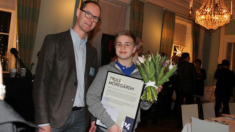 P4 Kronobergs Ulf Myrestam delade ut priset till Truls Möregårdh.