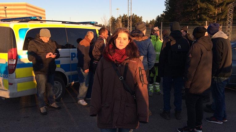 Amanda Frisk är en av personerna på plats. Vi uppdaterar med en intervju. Foto: Per Brolléus/Sveriges Radio