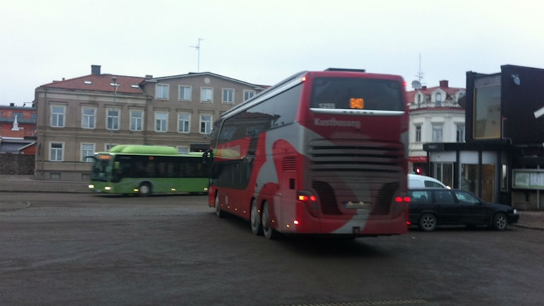 Två bussar som körs i Kronobergs Län.