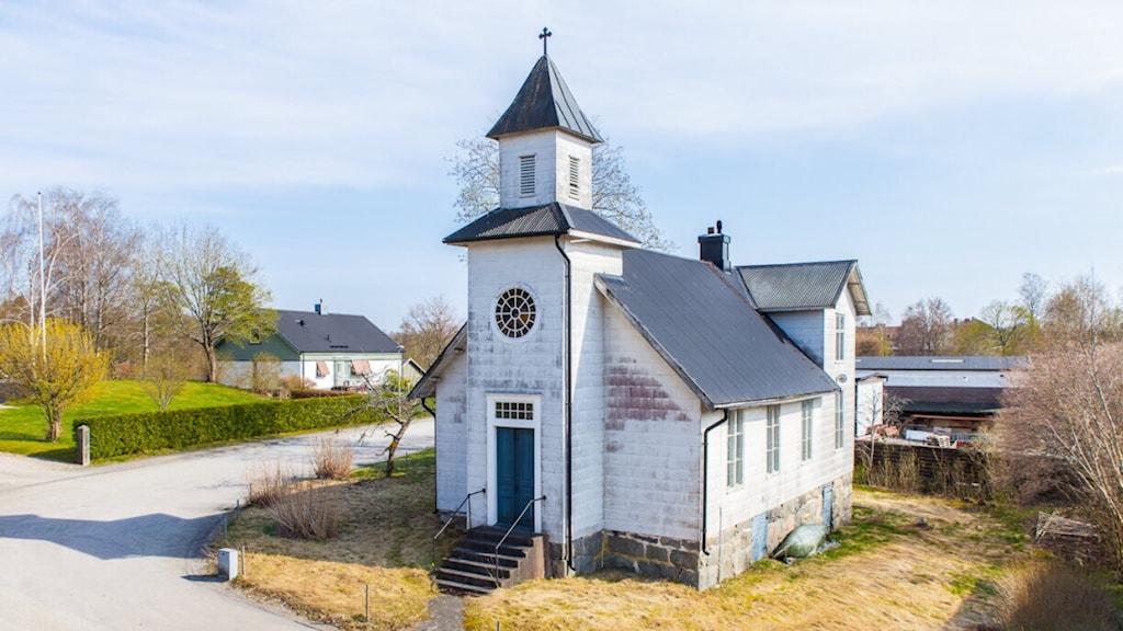Den gamla kyrkan i Ryd är till salu. Foto: Fastighetsbyrån