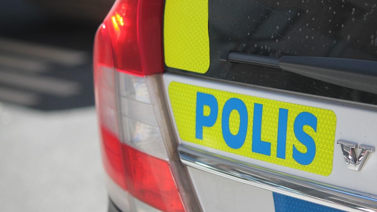 Baksidan av en polisbil