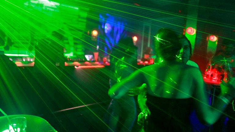 Dans på nattklubb.