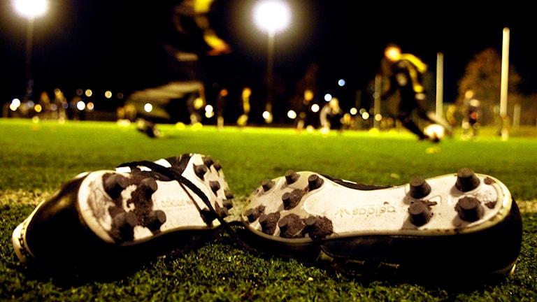 Ett part fotbollsskor