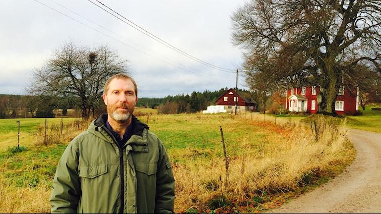 Magnus Johansson vill inte ha 200 meter höga Vindkraftverk i Målajord. Foto:Tomas Lindberg