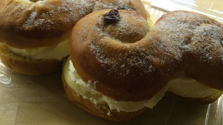 Semlelussekatter med vanilj - en variant som Morgon i P4 testade. Foto: Anne Marchal/Sveriges Radío