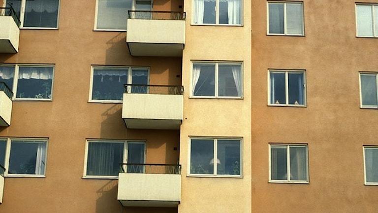 Lägenheter med fönster.