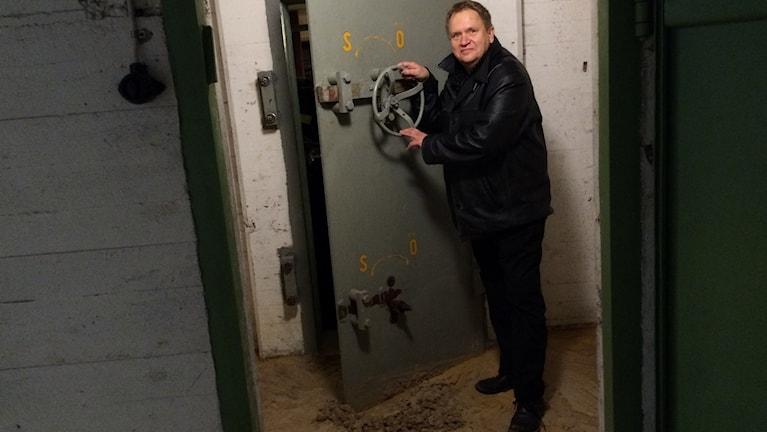 Skyddsrumsdörren