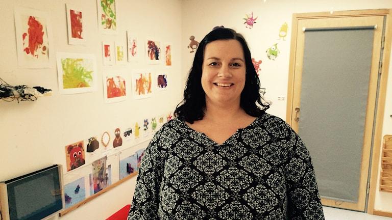 Sandra Alftin har hand om de minsta på förskolan Bokelund. Foto: Lars-Peter Hielle