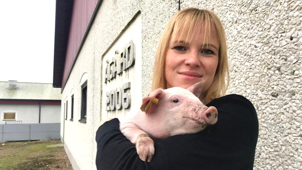 Mikaela Johnsson, grisbonde i Hamneda och sitter i LRFs riksförbundsstyrelse.