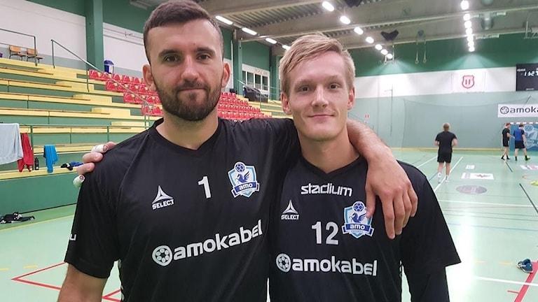 Handbollsmålvakterna Flamur Gerbeshi  och Johan Persson.