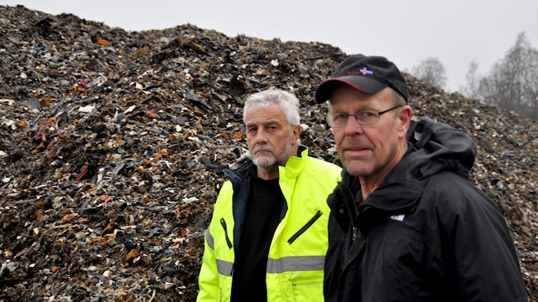 Björn Liljekvist och Carl-Erik Strid har skrivit under en protestskrivelse och kräver att högar tas bort.