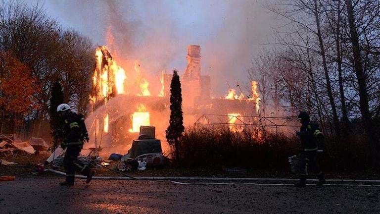 Övertänd villa i Nottebäck.