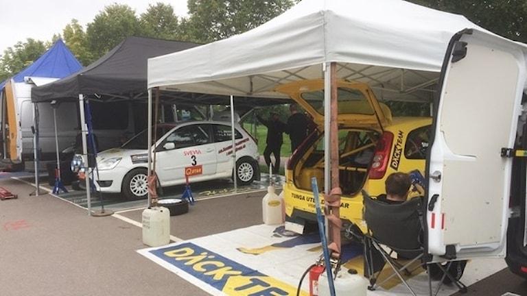 Starten av Rally-SM i Linköping. Bilarna på bilden har ingenting med olyckan att göra.