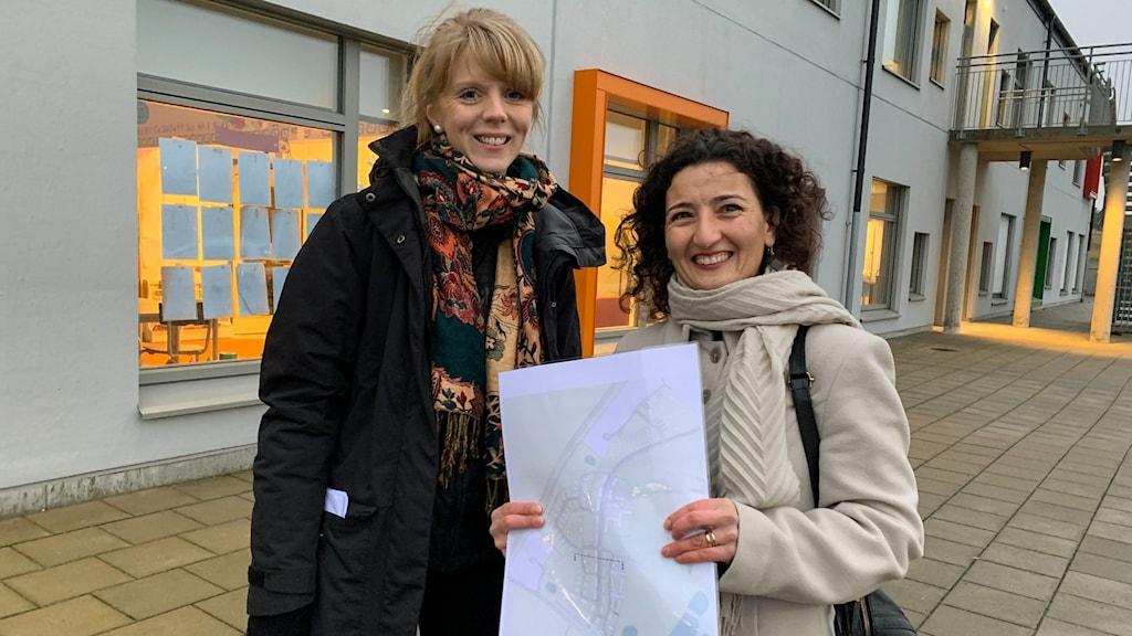 Planarkitekt Malin Svensson och Älmhults stadsarkitekt Arpine Minasyan.