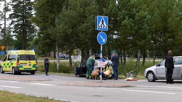 Cykelolycka vid Norremarksrondellen, Växjö, kollision med bil.
