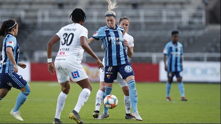 Osinachi Ohale (30) under en bortamatch med Växjö DFF mot Djurgården den 20 maj i år.