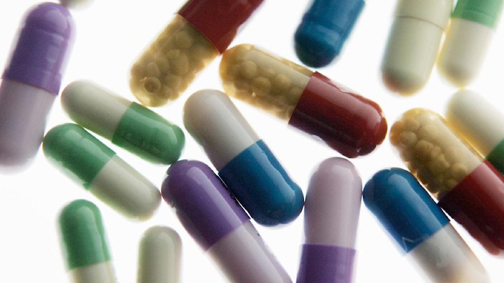 Kapslar med medicin eller narkotika. Foto: Henrik Montgomery/Scanpix