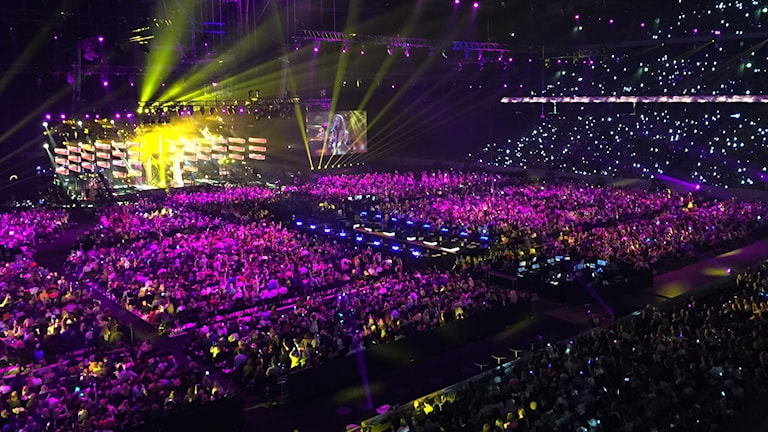 Ett hav av publik under Melodifestivalen ett år