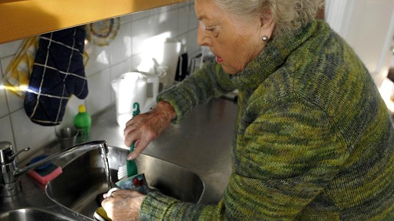 Äldre som diskar.