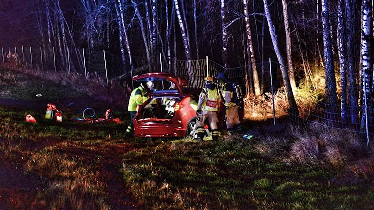 En person till sjukhus efter trafikolycka på riksväg 25