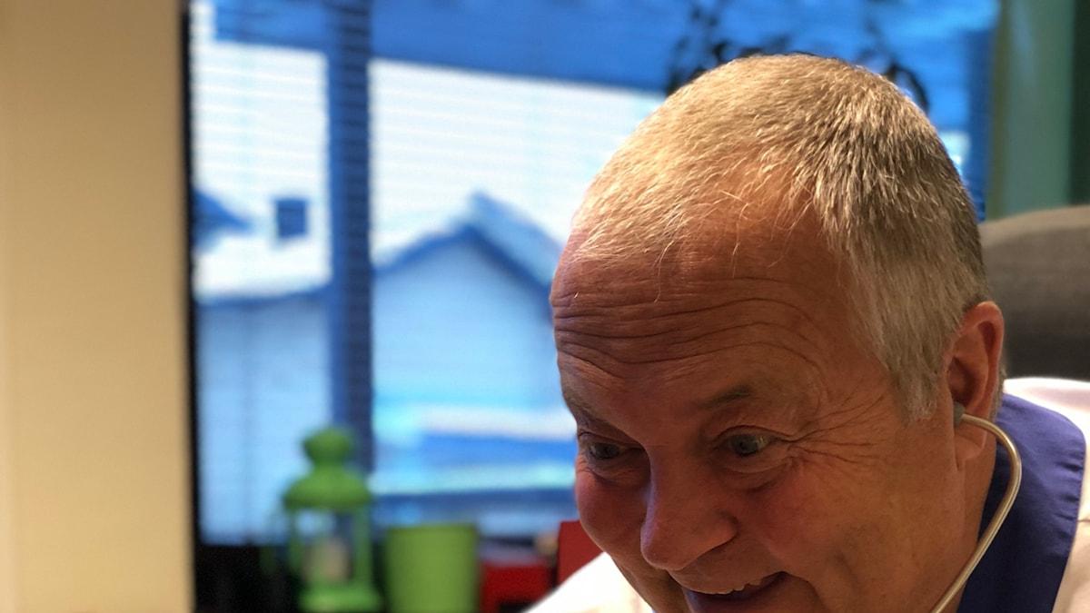 Skolläkare Martin Jägervall ser gärna en lagstadgad åldersgräns för energidrycker.