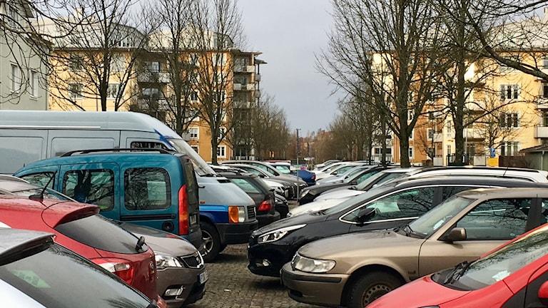 Parkerade bilar i Växjö.