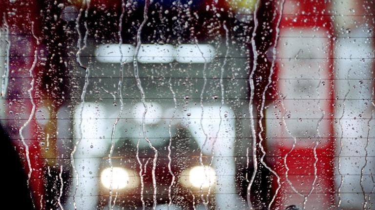 bil i en biltvätt