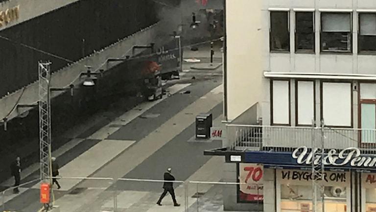 Lastbil i centrala Stockholm.