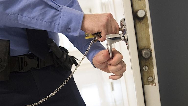 arresten.