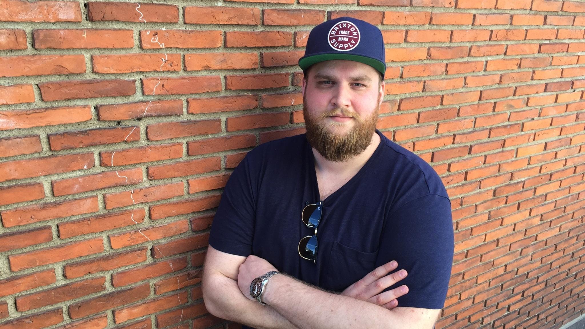 """Linus """"Massive"""" Nilsson, coach för e-sportsskollagen på Teknikum i Växjö."""
