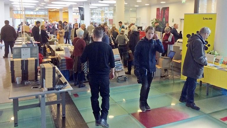 Många besökare på Kronobergs bokmässa.
