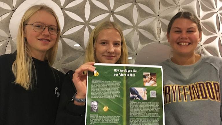 Tuva Olofsson, Lovisa Linnér och Amanda Pettersson från Pär Lagerkvistskolan.